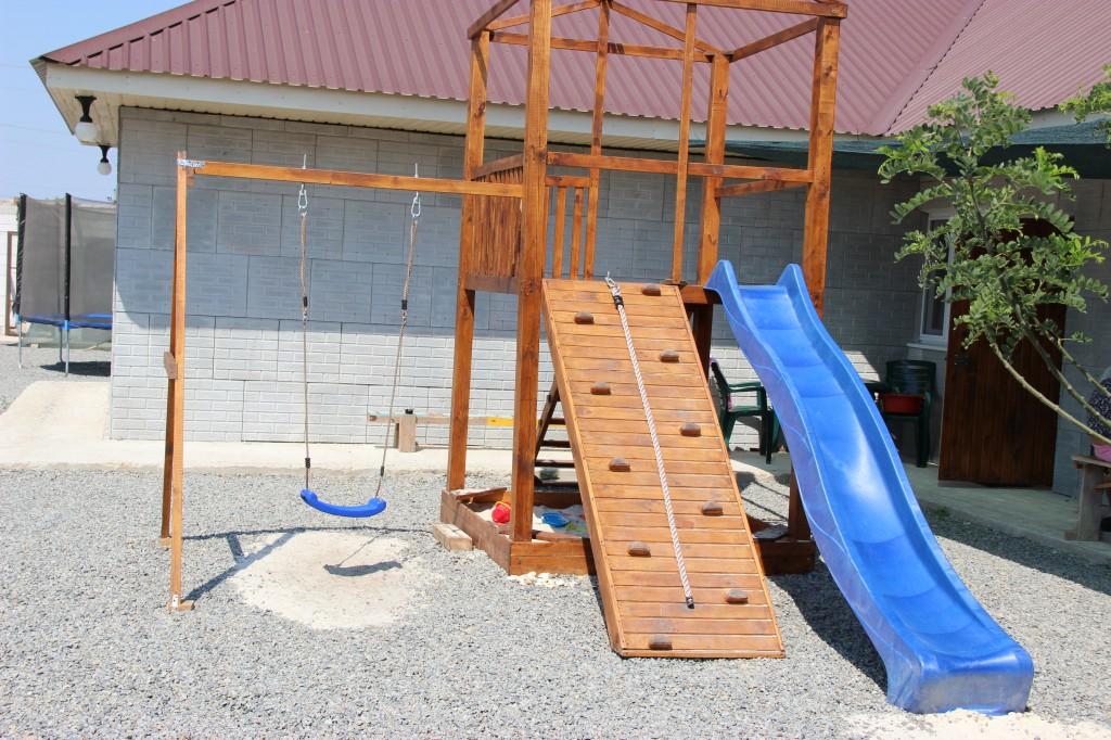 Детская площадка. Эконом номера